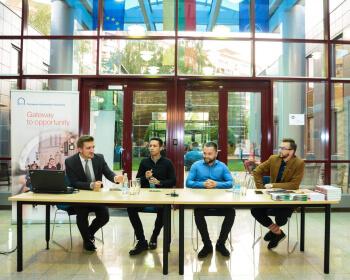 Выпускнікі ЕГУ прадставілі ўласныя дасягненні ў Мінску